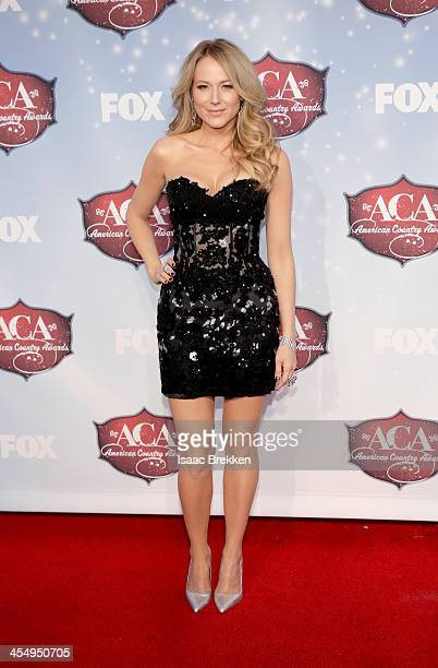 Recording artist Jewel arrives at the American Country Awards 2013 at the Mandalay Bay Events Center on December 10, 2013 in Las Vegas, Nevada.