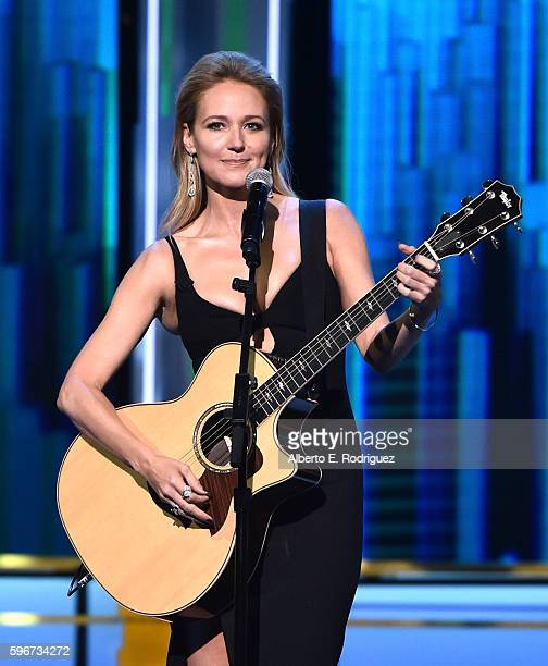 Recording artist Jewel speaks onstage at The Comedy Central Roast of Rob Lowe at Sony Studios on August 27 2016 in Los Angeles California The Comedy...