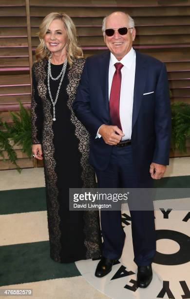 Recording artist Jimmy Buffet and wife Jane Slagsvol attend the 2014 Vanity Fair Oscar Party hosted by Graydon Carter on March 2 2014 in West...