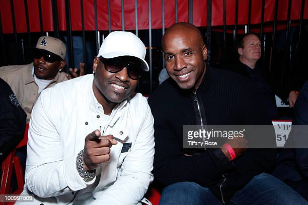 Recording artist Johnny Gill and athlete Barry Bonds attend the Sugar Ray Leonard Foundation's Big Fighters Big Cause charity event at the Santa...