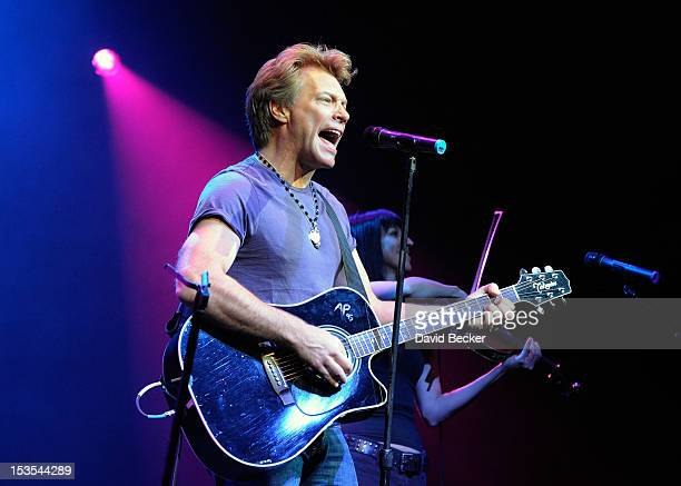Recording artist Jon Bon Jovi performs at an early vote event for Obama for America at the House of Blues inside the Mandalay Bay Resort Casino on...