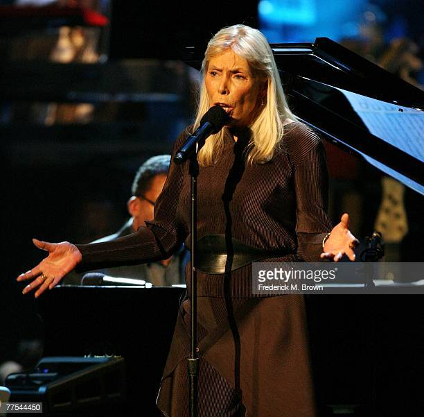 Recording artist Joni Mitchell performs during the Thelonious Monk Jazz Tribute Concert For Herbie Hancock at the Kodak Theatre on October 28 2007 in...