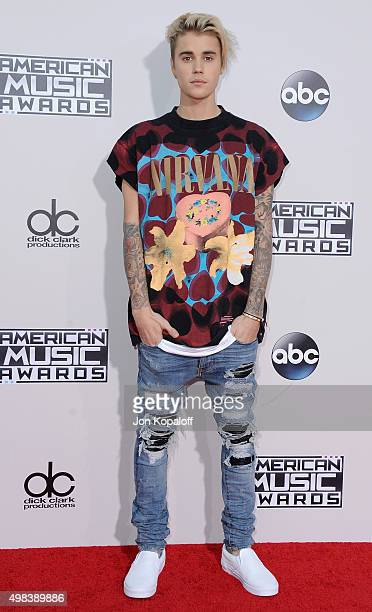 Recording artist Justin Bieber arrives at the 2015 American Music Awards at Microsoft Theater on November 22 2015 in Los Angeles California