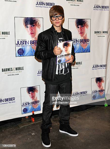 Recording artist Justin Bieber attends a Halloween appearance at Barnes & Noble bookstore at The Grove on October 31, 2010 in Los Angeles, California.