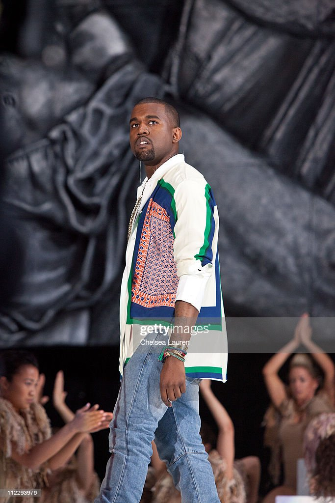 2011 Coachella Valley Music & Arts Festival - Day 3 : News Photo
