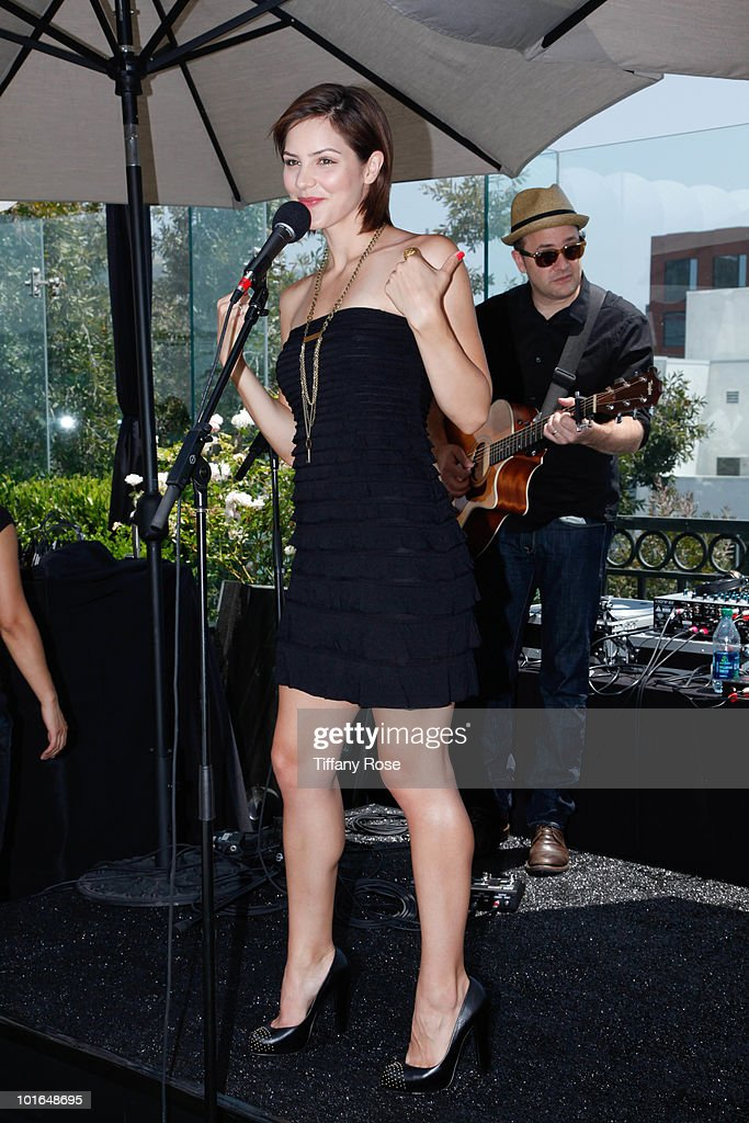 Recording artist Katharine McPhee performs at GBK's Gift Lounge in Honor of the 2010 MTV Movie Awards - Day 1 at The London Hotel on June 4, 2010 in West Hollywood, California.
