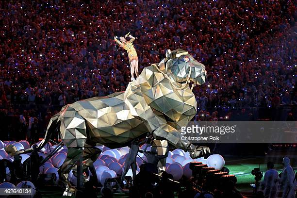 Recording artist Katy Perry performs onstage during the Pepsi Super Bowl XLIX Halftime Show at University of Phoenix Stadium on February 1, 2015 in...