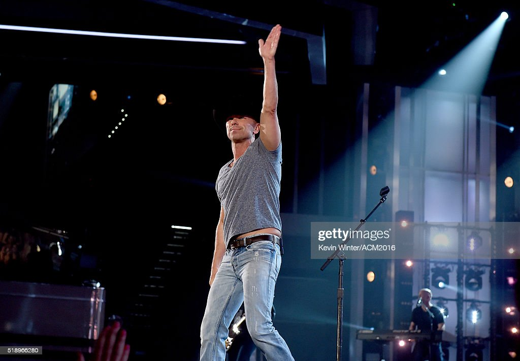 Recording artist Kenny Chesney performs onstage during the 51st Academy of Country Music Awards at MGM Grand Garden Arena on April 3, 2016 in Las Vegas, Nevada.