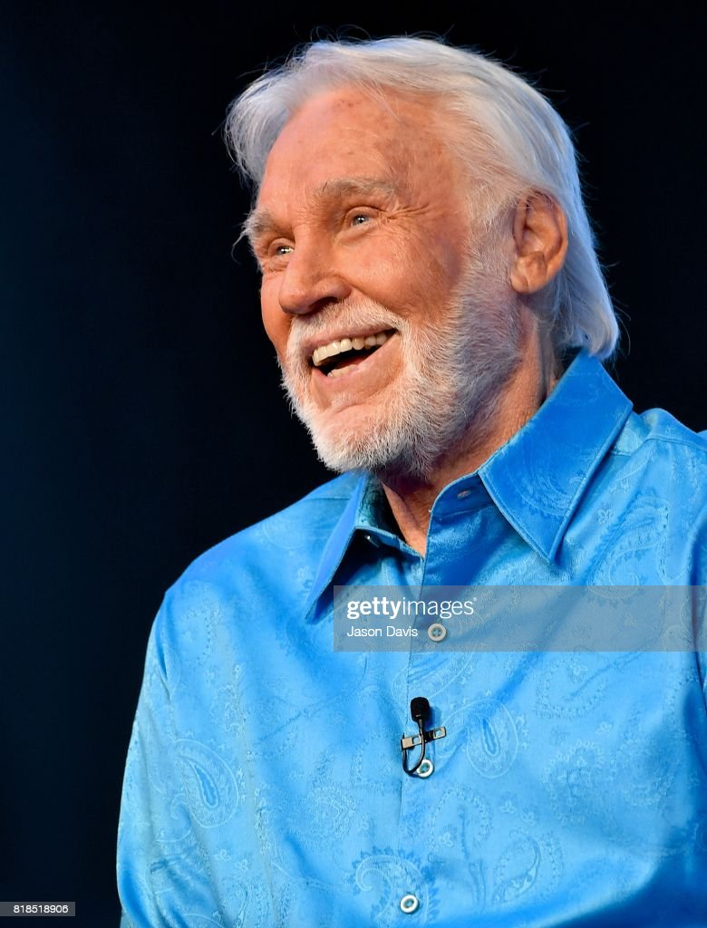 Kenny Rogers Announces All In For The Gambler: Kenny Rogers' Farewell Concert Celebration : News Photo