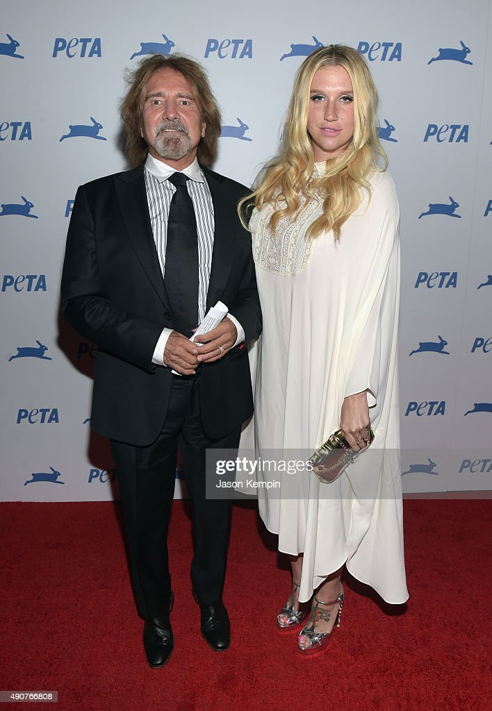 Recording artist Kesha (R) attends PETA's 35th Anniversary Party at Hollywood Palladium on September 30, 2015 in Los Angeles, California.