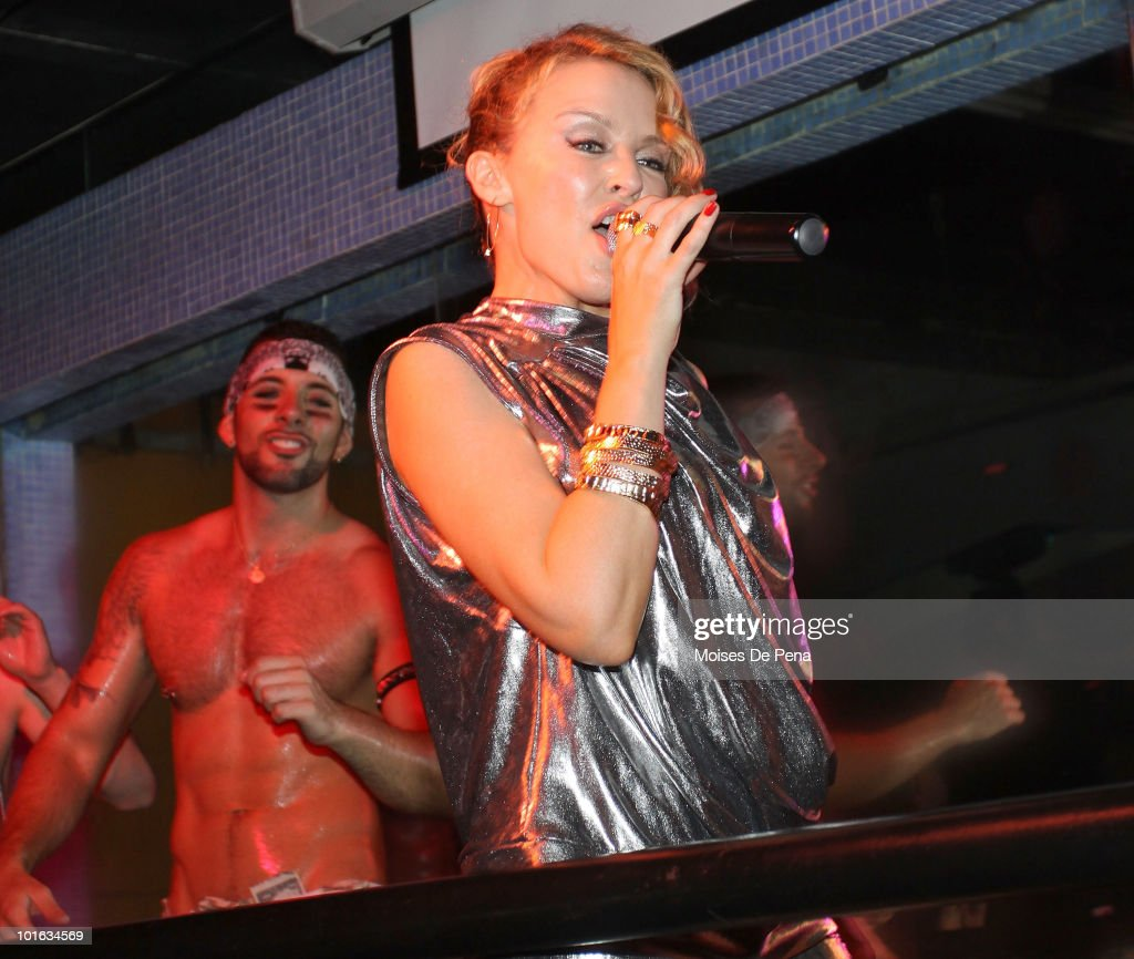 Recording Artist Kylie Minogue performs in Splash Bar on June 4, 2010 in New York City.