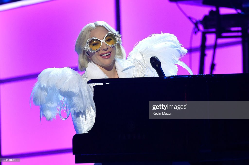 60th Annual GRAMMY Awards - I'm Still Standing: A GRAMMY Salute To Elton John - Show : Nachrichtenfoto