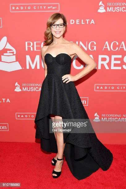 Recording artist Lisa Loeb attends MusiCares Person of the Year honoring Fleetwood Mac at Radio City Music Hall on January 26 2018 in New York City