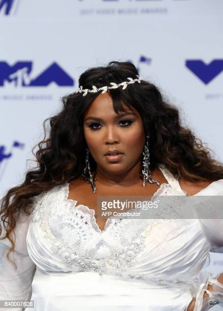 Recording artist Lizzo arrives at the MTV Video Music Awards 2017, In Inglewood, California, on August 27, 2017. / AFP PHOTO / TOMMASO BODDI
