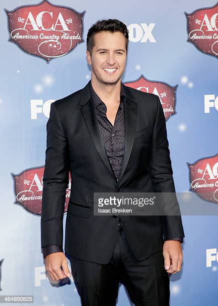 Recording artist Luke Bryan arrives at the American Country Awards 2013 at the Mandalay Bay Events Center on December 10, 2013 in Las Vegas, Nevada.