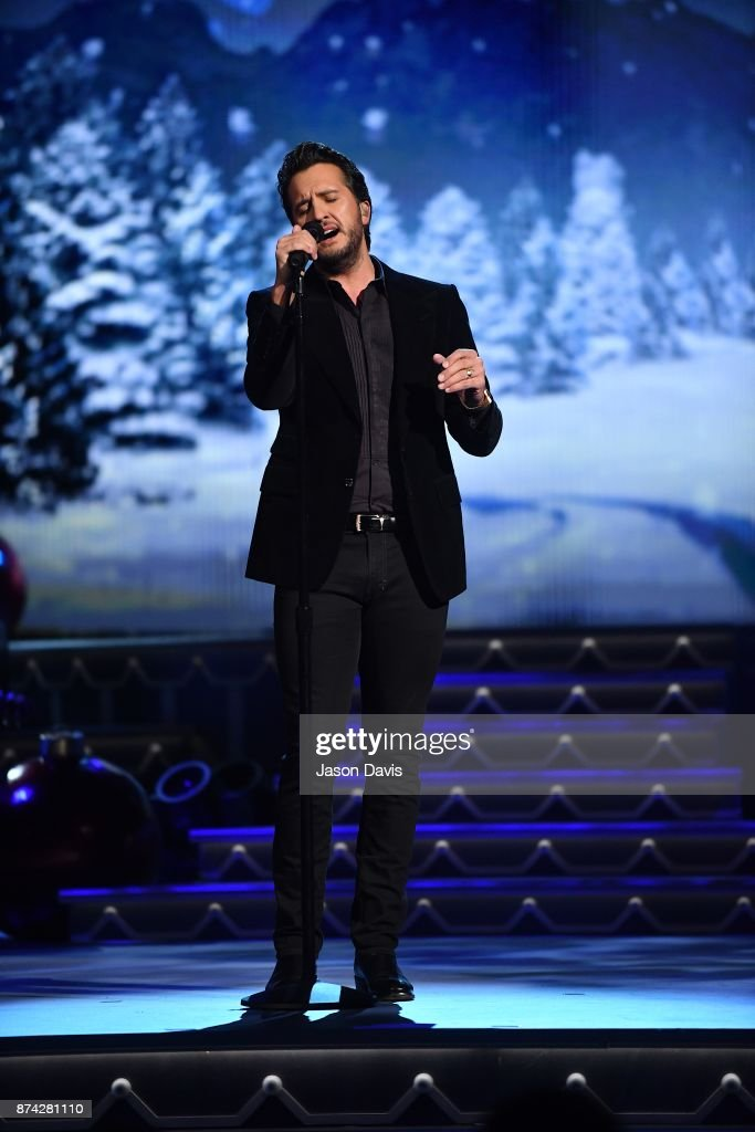 Recording Artist Luke Bryan performs on stage during 2017 CMA Country Christmas at The Grand Ole Opry on November 14, 2017 in Nashville, Tennessee.