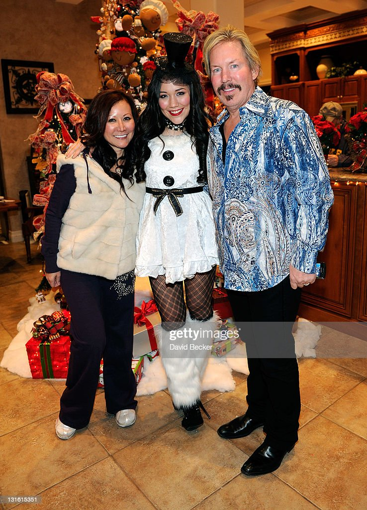 "Manika ""White Christmas"" Music Video Set Visit : News Photo"