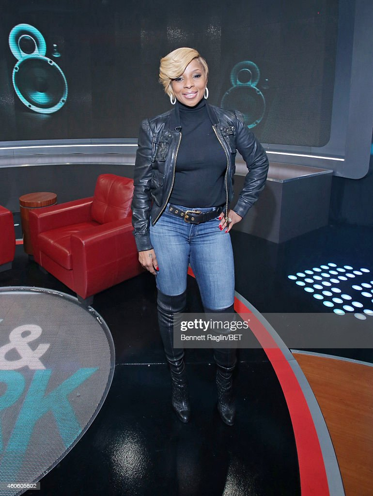 Recording artist Mary J. Blige attends 106 & Park at BET studio on December 17, 2014 in New York City.