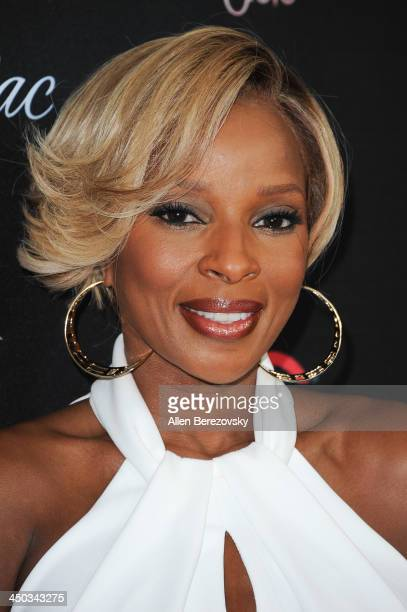 Recording artist Mary J. Blige attends The Grove's 11th annual Christmas Tree Lighting Spectacular at The Grove on November 17, 2013 in Los Angeles,...