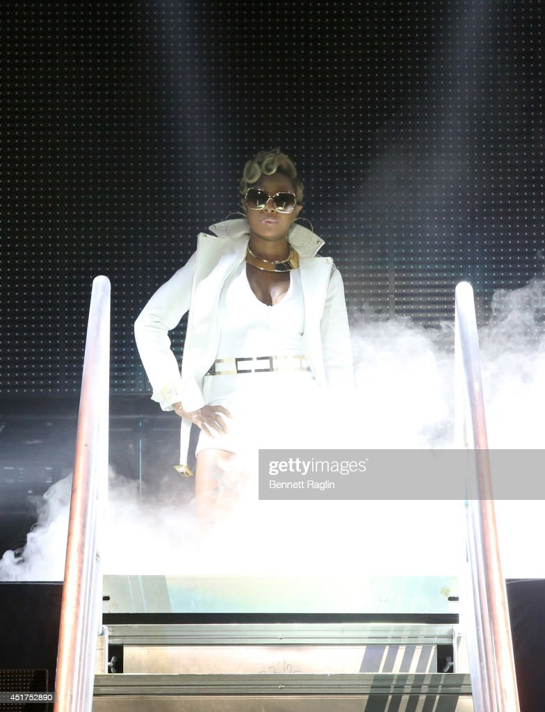 Recording artist Mary J. Blige performs the 2014 Essence Music Festival on July 5, 2014 in New Orleans, Louisiana.