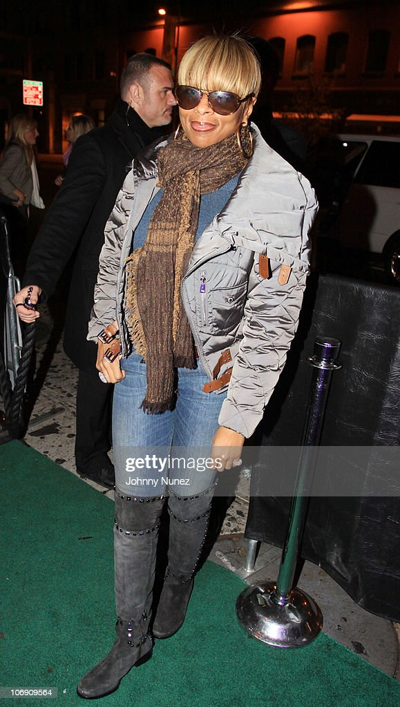 Recording artist Mary J. Blige visits Greenhouse on November 15, 2010 in New York City.