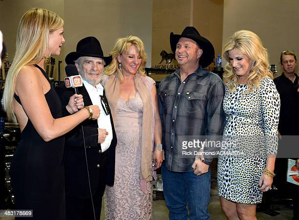 Recording artist Merle Haggard Theresa Ann Lane recording artist Garth Brooks and Trisha Yearwood attend the 49th Annual Academy of Country Music...
