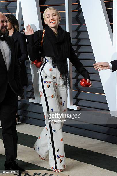 Recording artist Miley Cyrus attends the 2015 Vanity Fair Oscar Party hosted by Graydon Carter at Wallis Annenberg Center for the Performing Arts on...