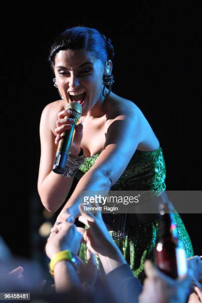 Recording artist Nelly Furtado performs at Pepsi Musica Super Bowl Fan Jam on February 5, 2010 in Miami Beach, Florida.