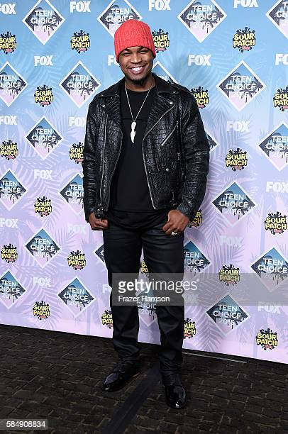 Recording artist NeYo poses in the press room during Teen Choice Awards 2016 at The Forum on July 31 2016 in Inglewood California