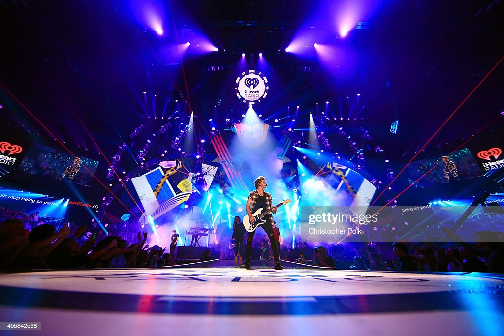 Recording artist Niall Horan of music group One Direction performs onstage during the 2014 iHeartRadio Music Festival at the MGM Grand Garden Arena on September 20, 2014 in Las Vegas, Nevada.