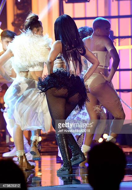 Recording artist Nicki Minaj fashion detail performs onstage during the 2015 Billboard Music Awards at MGM Grand Garden Arena on May 17 2015 in Las...