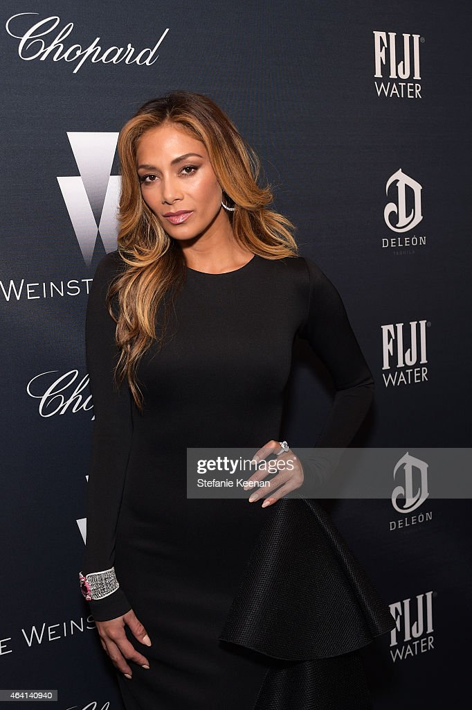 Recording artist Nicole Scherzinger, wearing Chopard, attends The Weinstein Company's Academy Awards Nominees Dinner in partnership with Chopard, DeLeon Tequila, FIJI Water and MAC Cosmetics on February 21, 2015 in Los Angeles, California.