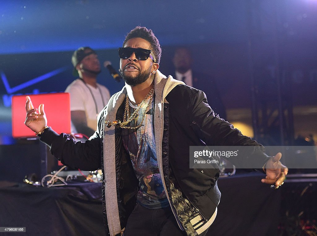 Recording artist Omarion performs onstage at the 2015 Essence Music Festival on July 5, 2015 at Mercedes-Benz Superdome in New Orleans, Louisiana.
