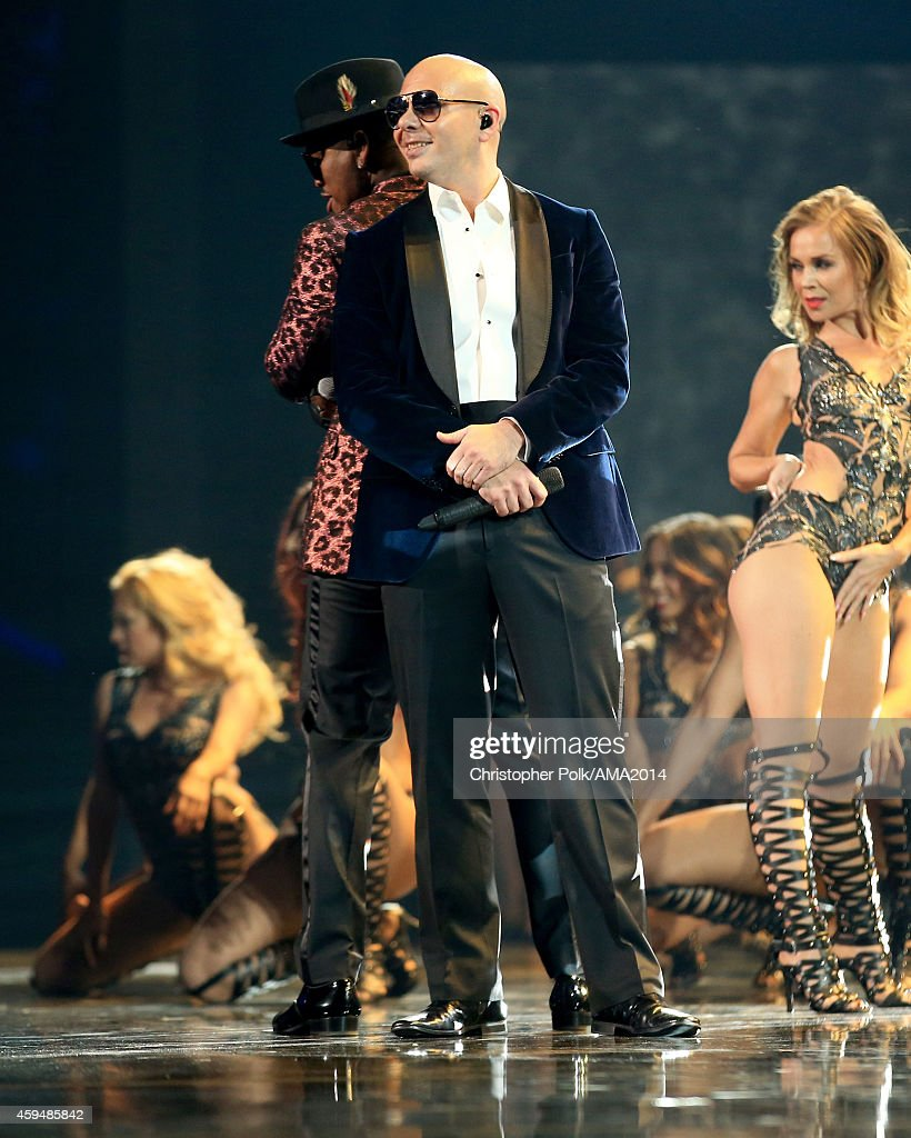 2014 American Music Awards - Roaming Show : News Photo