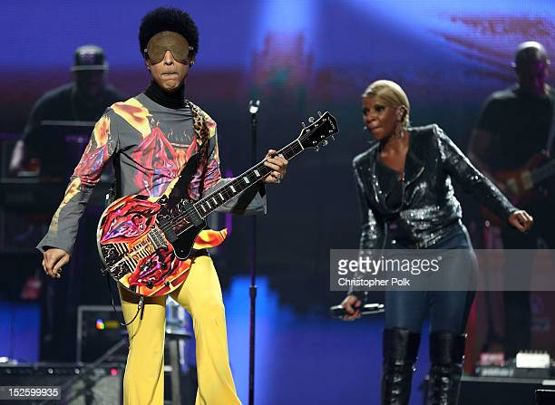 Recording artist Prince and singer Mary J Blige perform onstage during the 2012 iHeartRadio Music Festival at the MGM Grand Garden Arena on September...