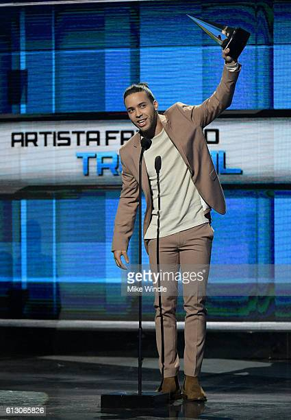 Recording artist Prince Royce accepts the award for Favorite Artist Tropical onstage during the 2016 Latin American Music Awards at Dolby Theatre on...