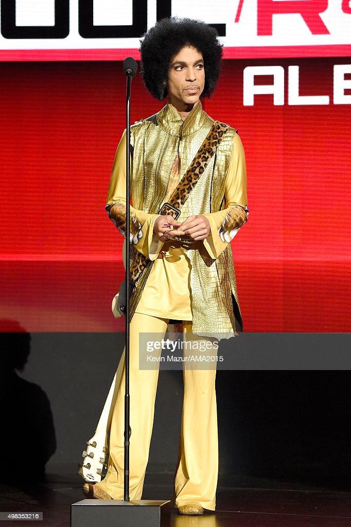 2015 American Music Awards - Roaming Show : News Photo