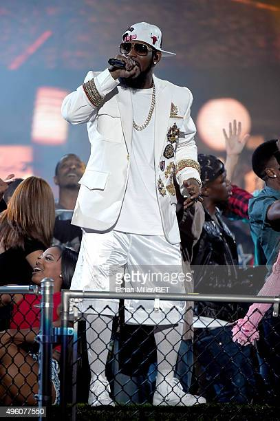Recording artist R Kelly performs onstage during the 2015 Soul Train Music Awards at the Orleans Arena on November 6 2015 in Las Vegas Nevada