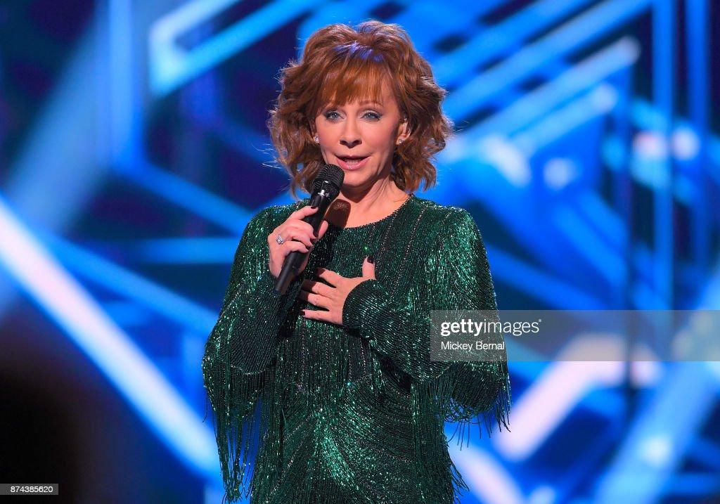 CMA 2017 Country Christmas : News Photo