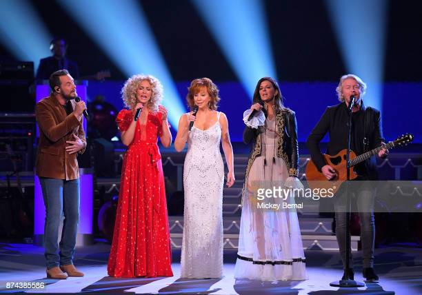 Recording artist Reba McEntire performs with Jimi Westbrook Kimberly Schlapman Karen Fairchild and Philip Sweet during CMA 2017 Country Christmas at...