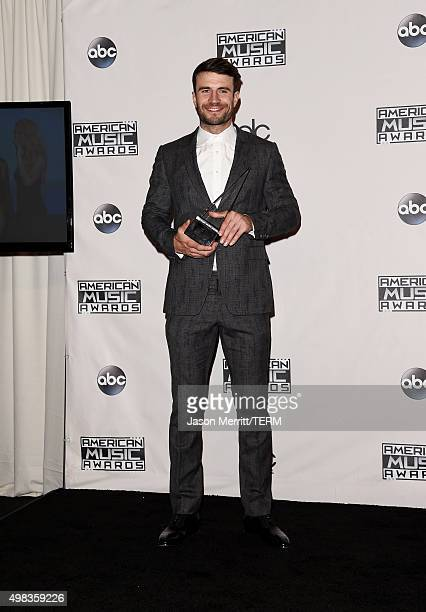 Recording artist Sam Hunt winner of New Artist of the Year poses in the press room during the 2015 American Music Awards at Microsoft Theater on...