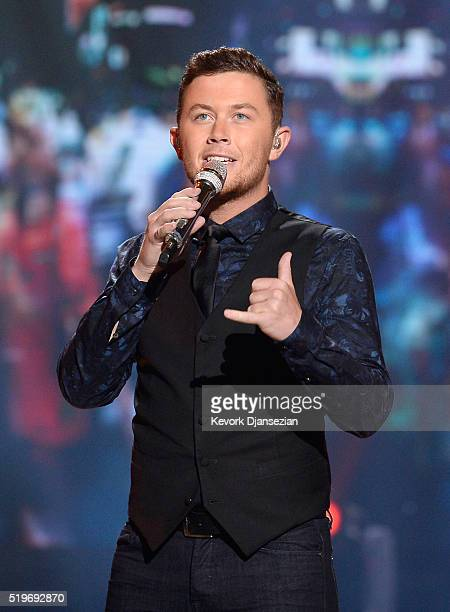 Recording artist Scotty McCreery performs onstage during FOX's American Idol Finale For The Farewell Season at Dolby Theatre on April 7 2016 in...