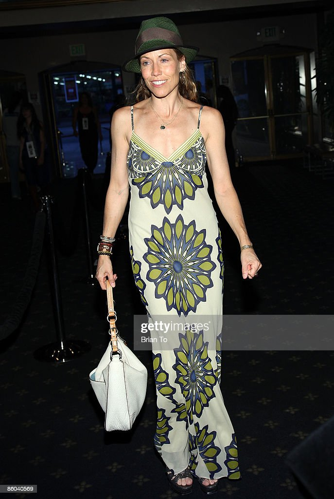 Recording artist Sheryl Crow arrives at 'Back to Bacharach and David' -Opening Night at Henry Fonda Theatre on April 19, 2009 in Hollywood, California.
