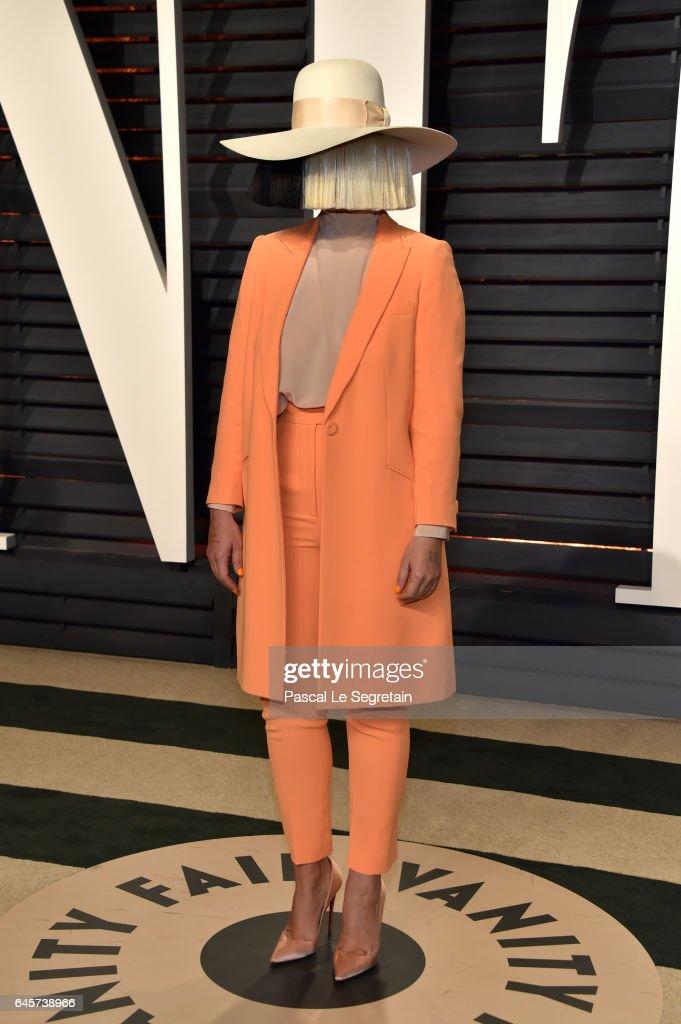 2017 Vanity Fair Oscar Party Hosted By Graydon Carter - Arrivals : Nachrichtenfoto