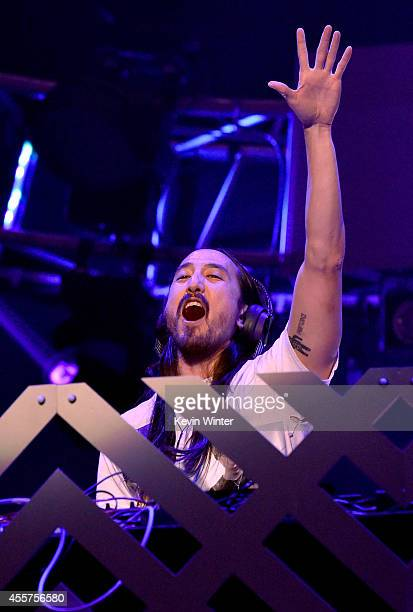 Recording artist Steve Aoki performs onstage during the 2014 iHeartRadio Music Festival at the MGM Grand Garden Arena on September 19, 2014 in Las...