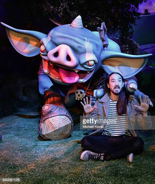 Recording artist Steve Aoki visits the Nintendo booth at the 2016 E3 Gaming Convention at Los Angeles Convention Center on June 14, 2016 in Los...