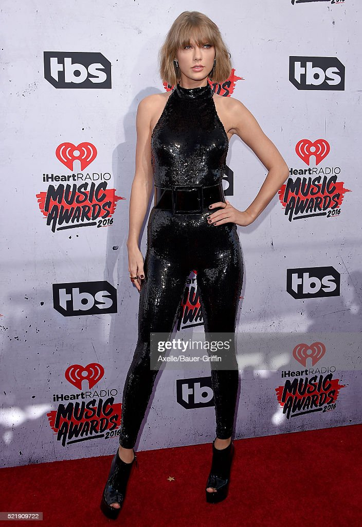 Recording artist Taylor Swift arrives at iHeartRadio Music Awards on April 3, 2016 in Inglewood, California.