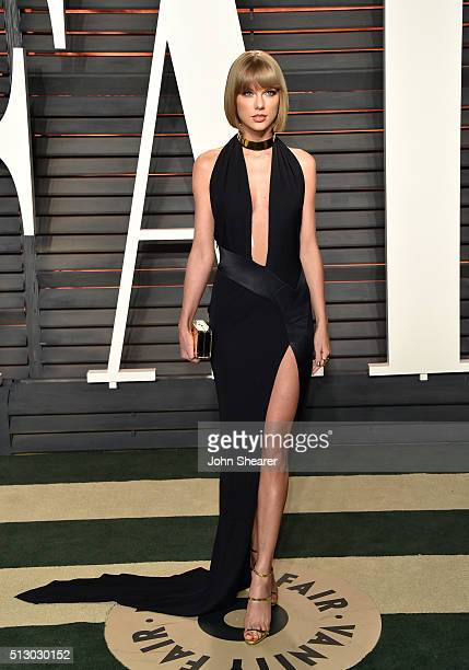 Recording artist Taylor Swift arrives at the 2016 Vanity Fair Oscar Party Hosted By Graydon Carter at Wallis Annenberg Center for the Performing Arts...