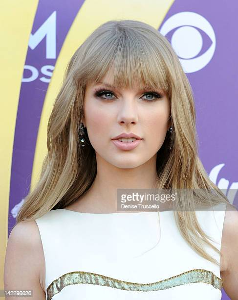 Recording artist Taylor Swift arrives at the 47th Annual Academy Of Country Music Awards held at the MGM Grand Garden Arena on April 1, 2012 in Las...