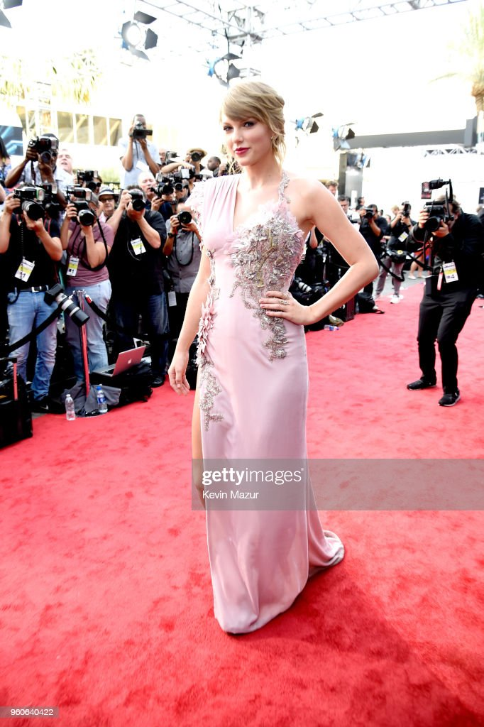 2018 Billboard Music Awards - Red Carpet